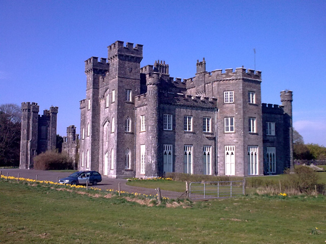 Knockdrin Castle