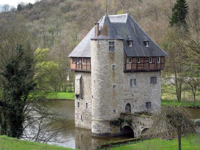 Crupet Castle