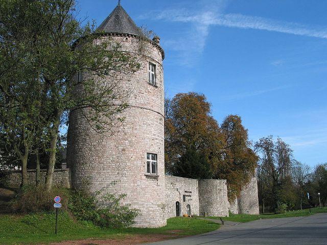 Fontaine-l'Évêque Castle