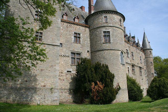Ham-sur-Heure Castle