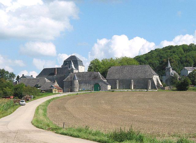 Roly Castle