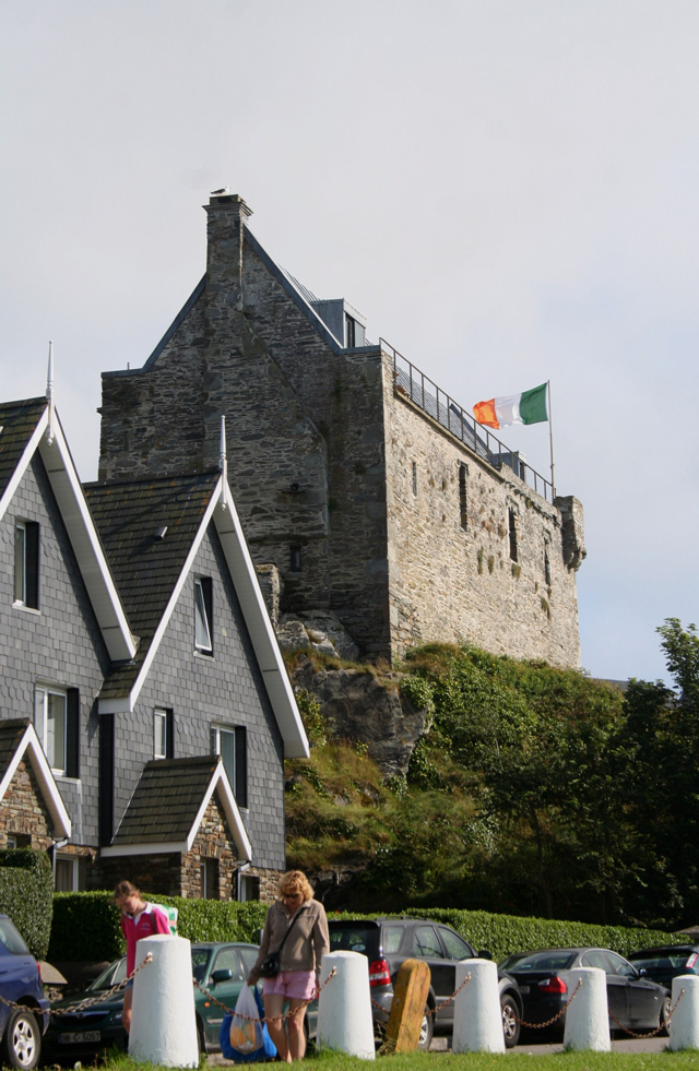 Dunasead Castle