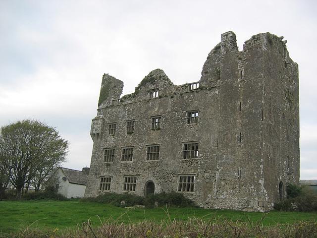 Leamaneh Castle
