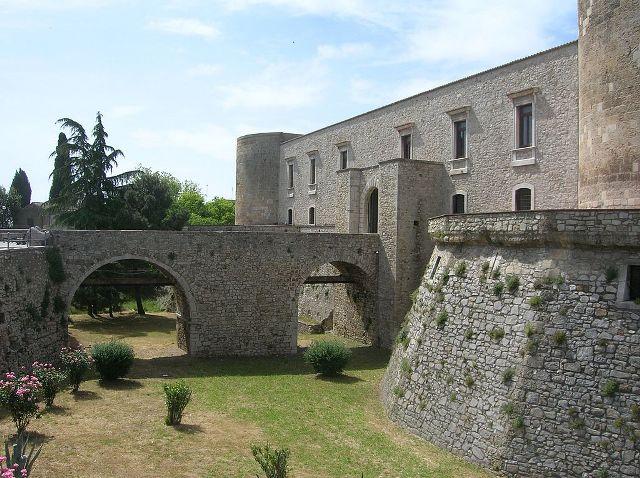 Aragonese Castle (Venosa)