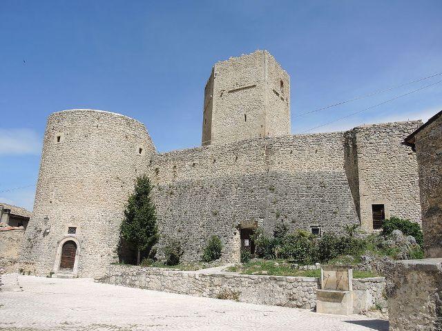 Cantelmo Castle