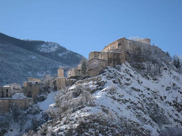 Rocca di Villalago