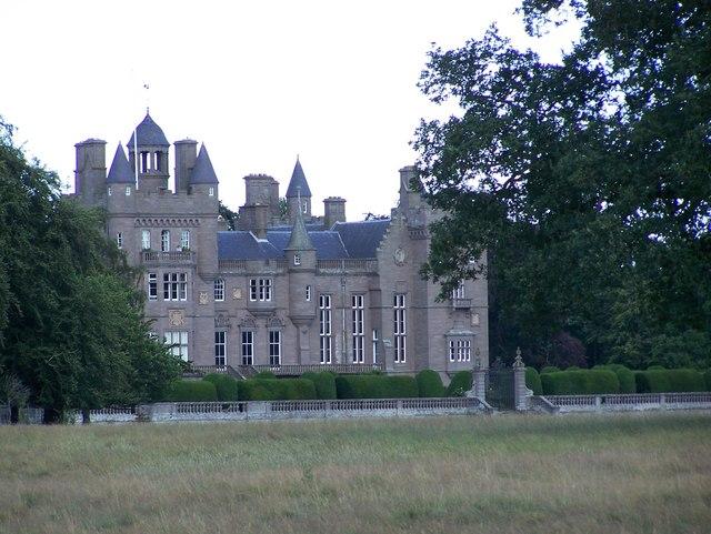 Kinnaird Castle