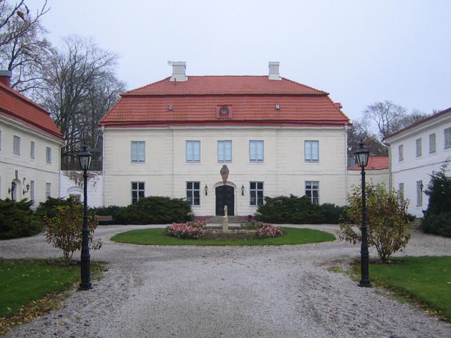 Bjarsjolagard Castle