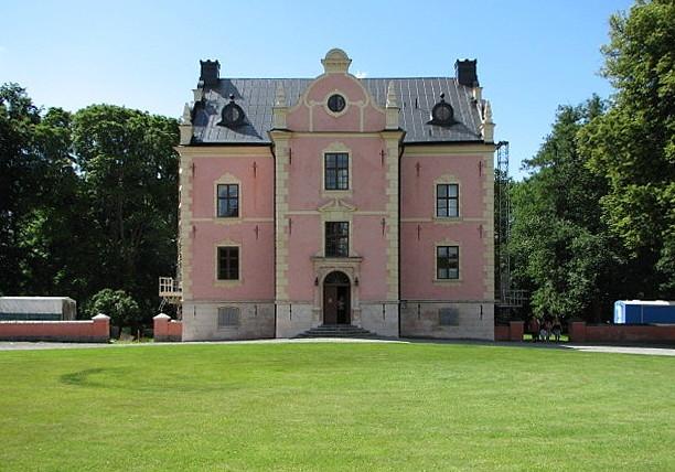 Skanelaholm Castle