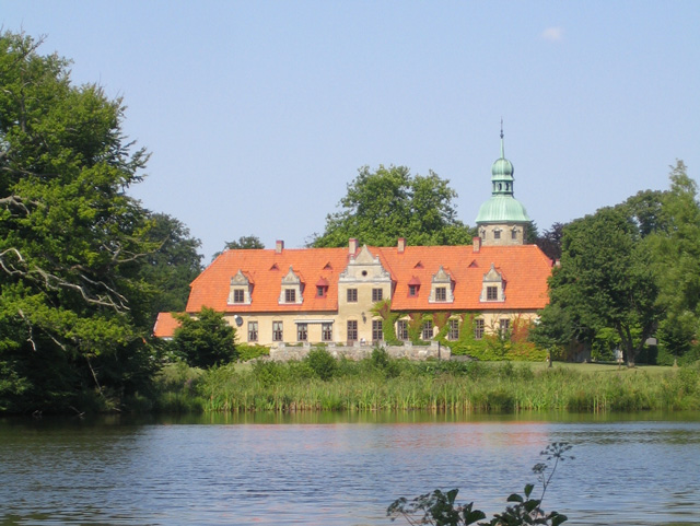 Toppeladugard Castle