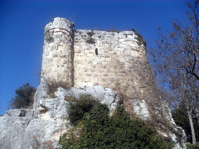 Gozne Castle
